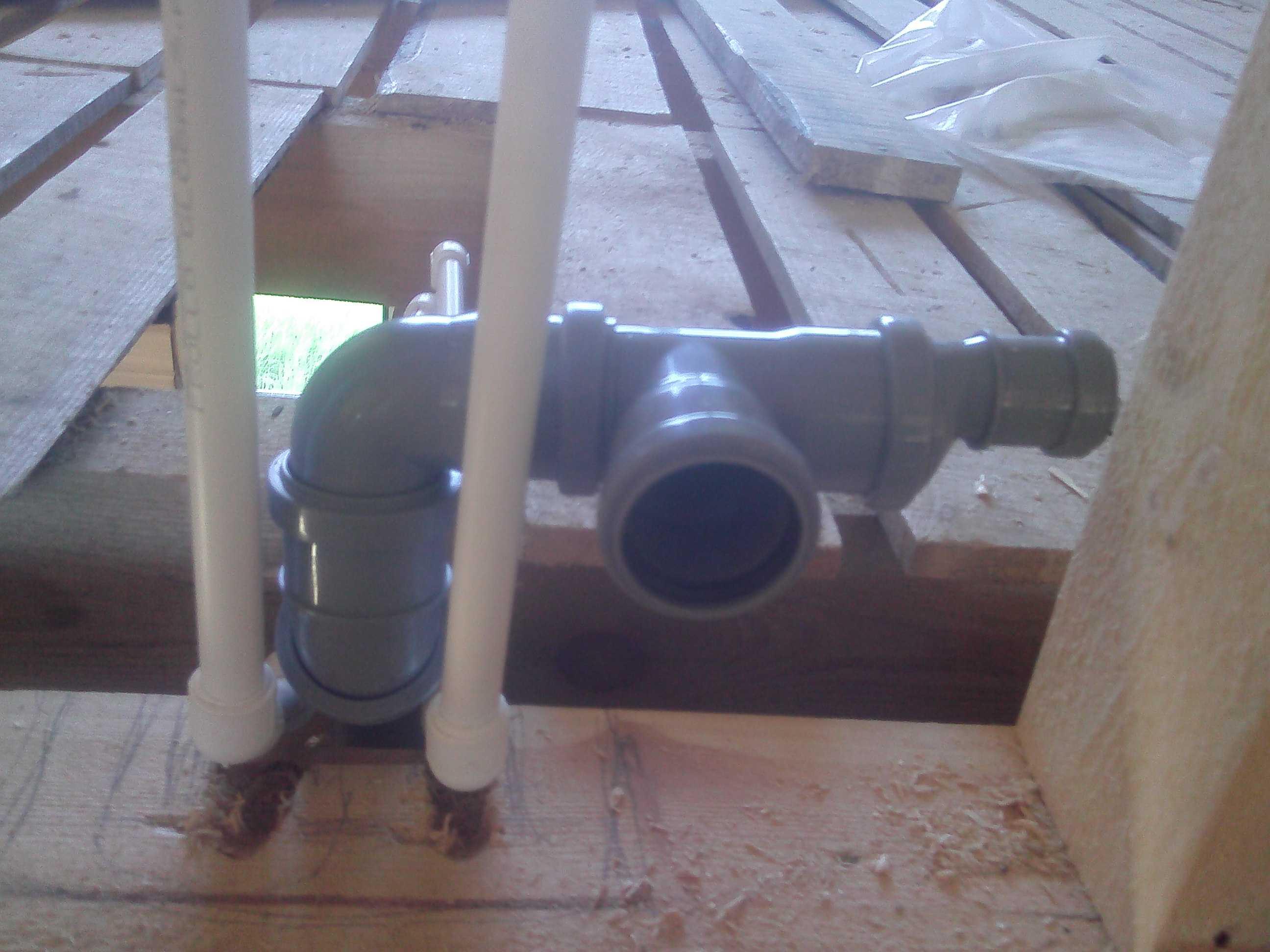 схема прокладки труб канализации в ванной