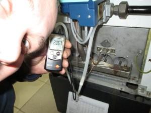 подстройкой газового клапана