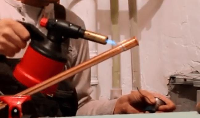пайка медной трубы припоем